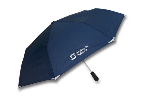 Stabiler Windbreaker-Schirm geöffnet | Foto: Diana Bentrup